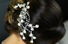 Freshwater Pearls, Crystal and Diamante Hair Comb TLH3053