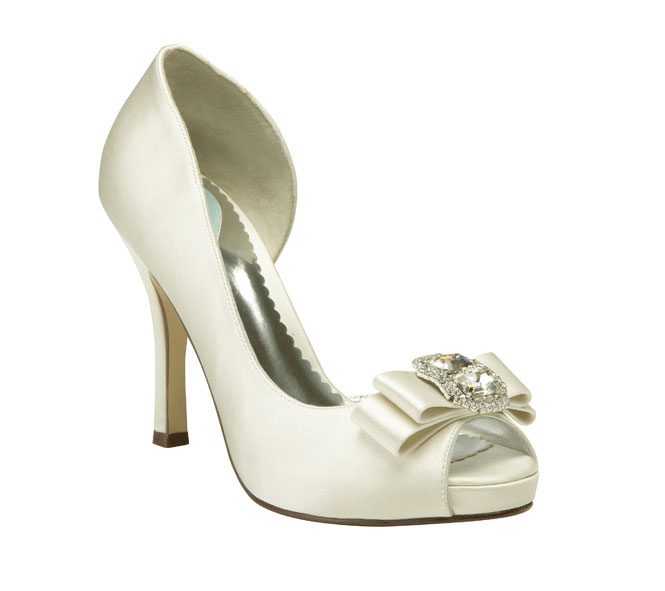Payless Wedding Shoes: Black Sandals: Payless Dyeable Shoes