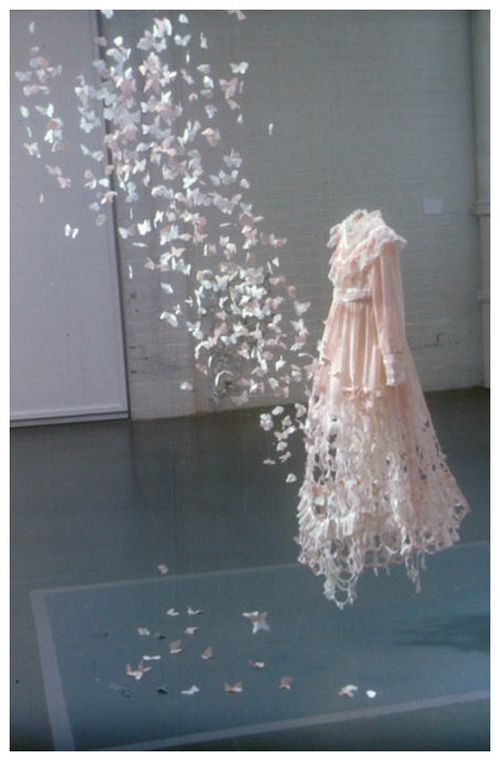 bridal-blog-butterfly-dress-paper-sculpture-su-blackwell.jpg