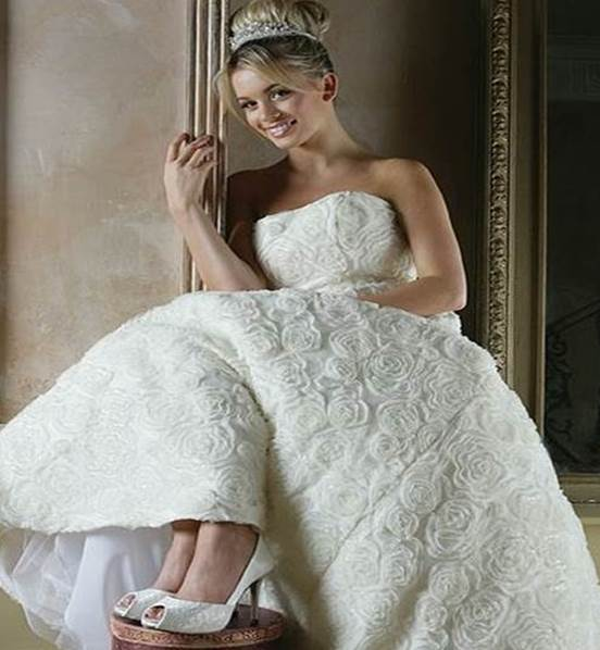 fancy-bridal-shoes-bridal-blog.jpg