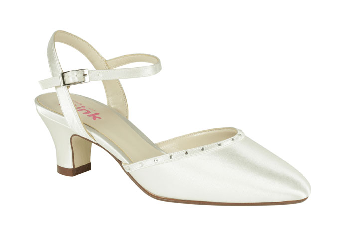 Magnificent Little Girl First Communion White Shoes 700 x 503 · 21 kB · jpeg